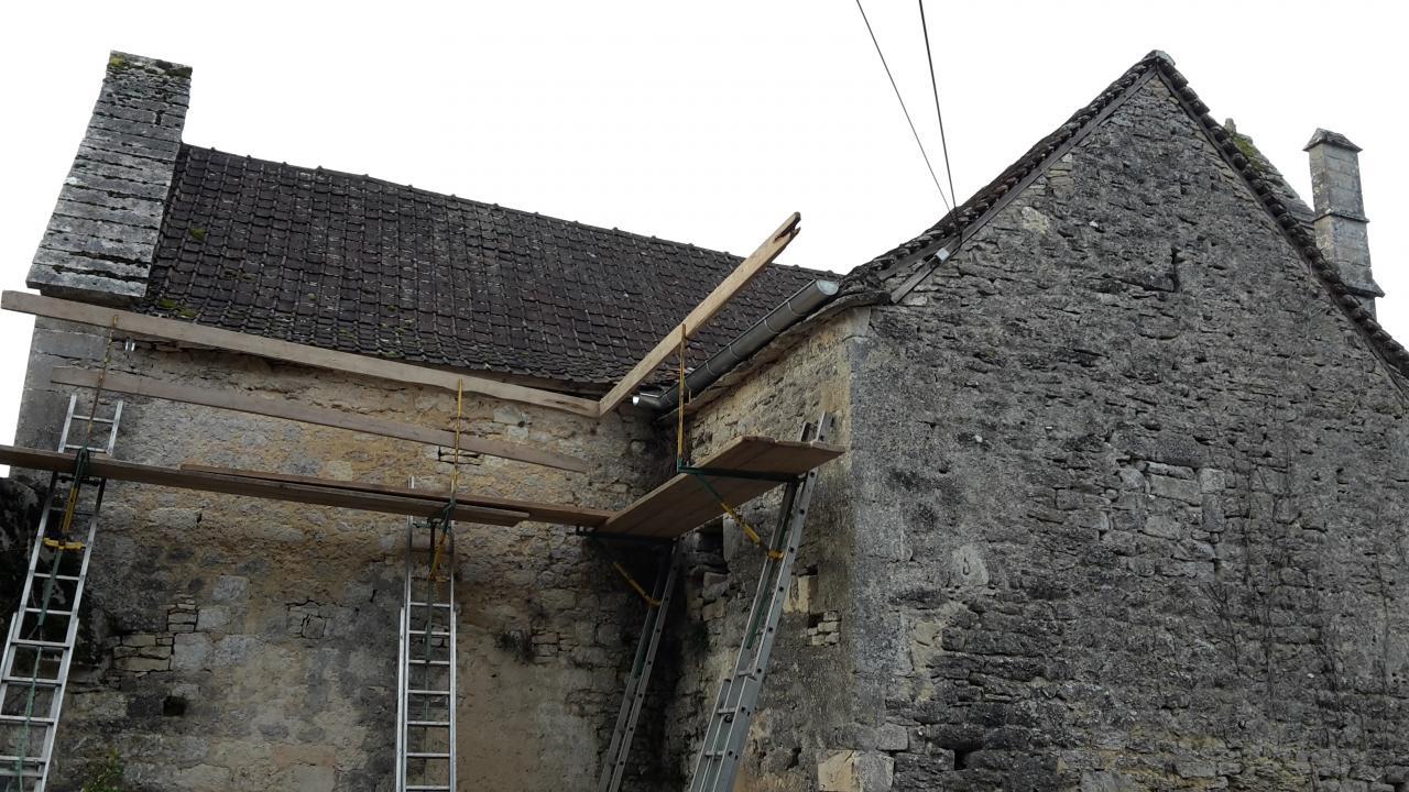 L'entreprise FRAYSSE sur le site de Saint Symphorien pour les travaux de gouttières