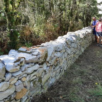 dernières pierres sur le mur